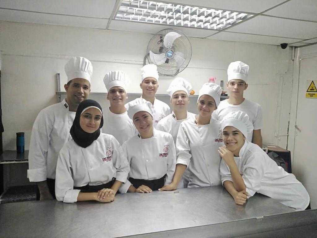 Cocina Básica. Alumnos del I trimestre de la formación de Chef en Cocina Internacional.