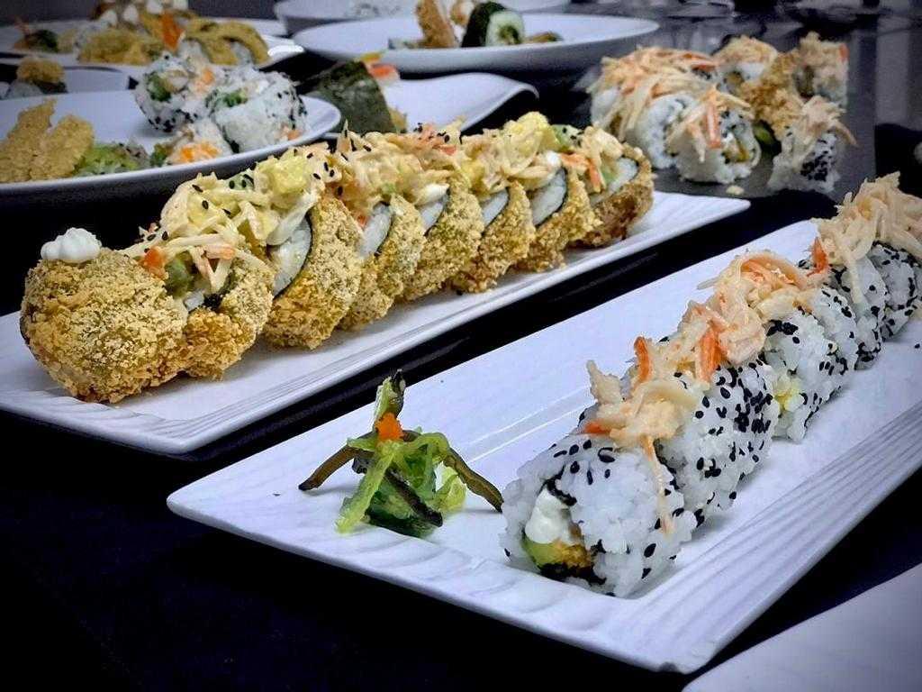 Clase de Sushi en Cocina Asiática con los alumnos del V trimestre de la formación de Chef en Cocina Internacional.